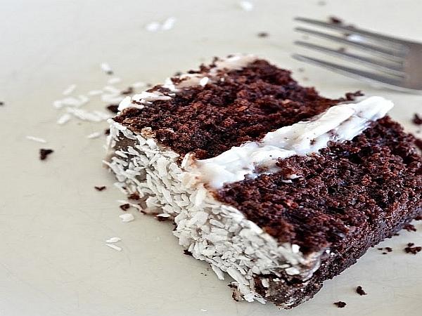 Gâteau vegan au chocolat et crème de noix de coco