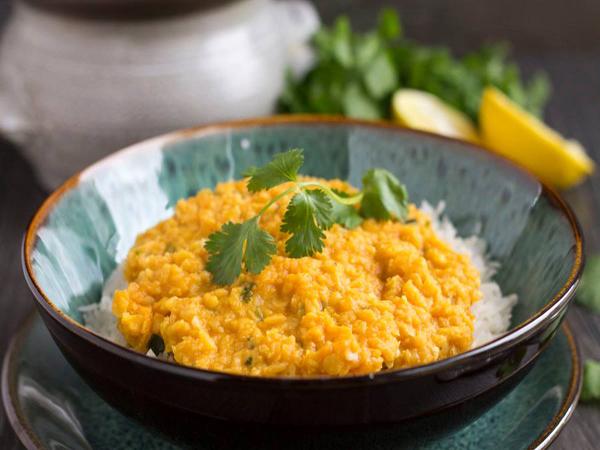Dal de lentilles corail, coco et curry